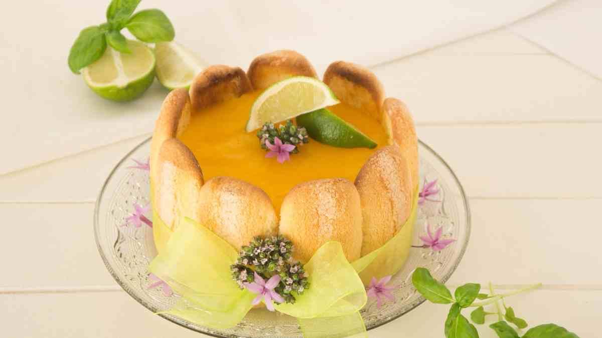 Receta de Tarta charlota de mango con bizcochos 1