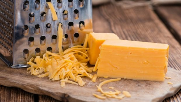 Receta de pastel de pimienta confitada con queso