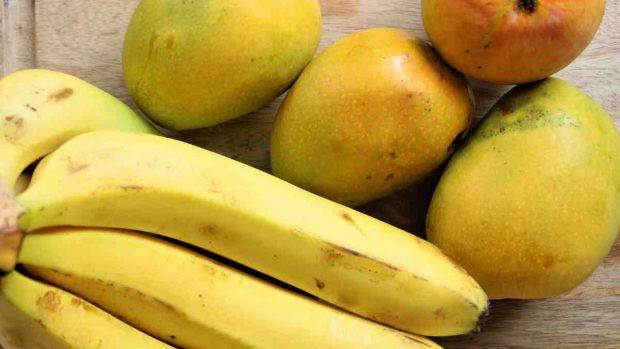 Batido de mango y plátano especiado