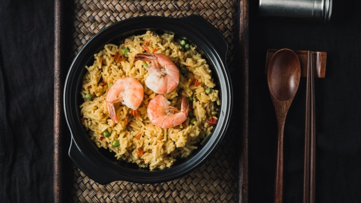 Photo of Receta de arroz tres delicias al microondas