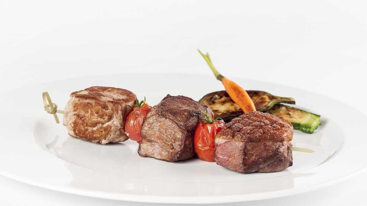 Receta de Minibrochetas de carne de ternera con salsa de mostaza 1