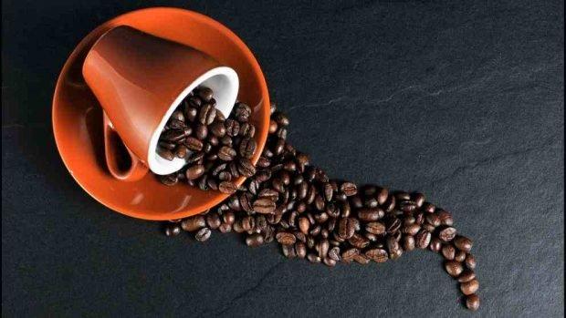 R Receta de café integral casero y galletas de chocolate.