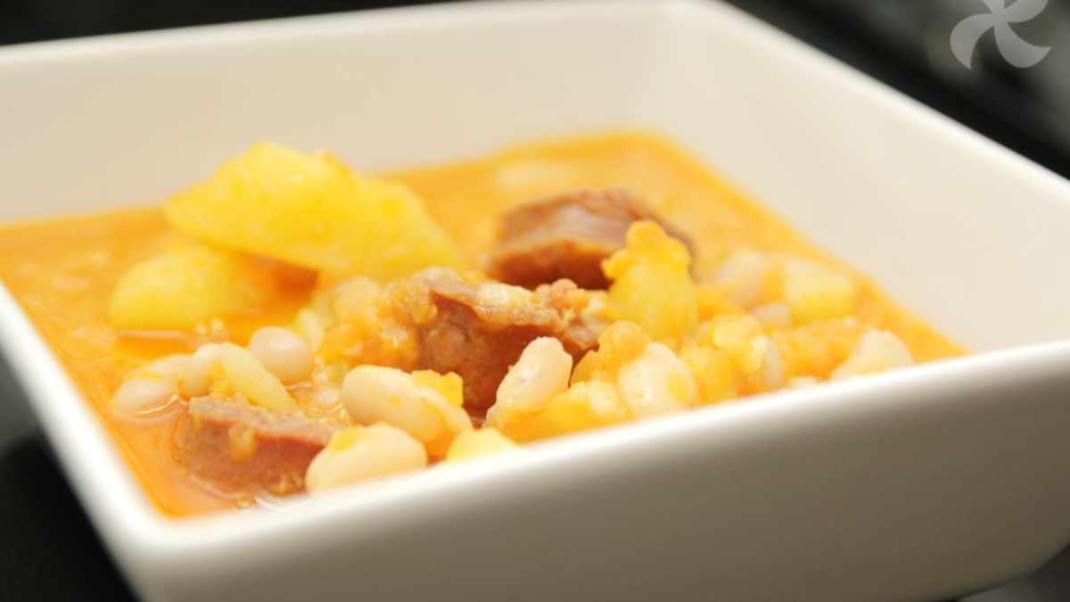 Photo of Receta de alubias guisadas con calabaza, jamón y patata