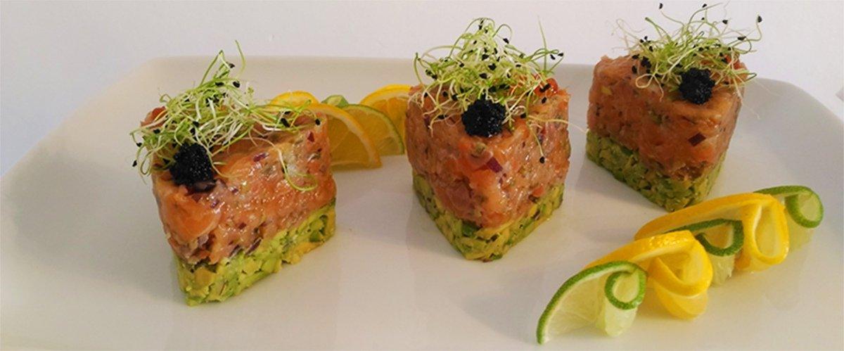 Receta de tartar de salmón con aguacate y manzana 1