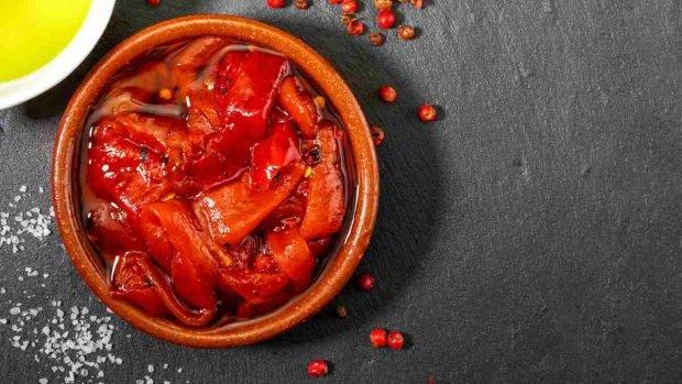 Receta de pollo empanizado con sanfaina y tomate