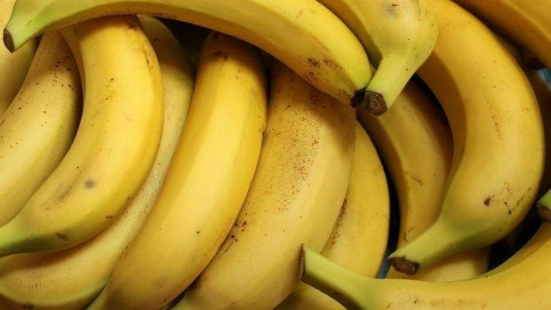 Brownie vegano de plátano, canela y camote