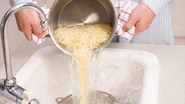 Receta de espaguetis con salsa de tofu y calabacín