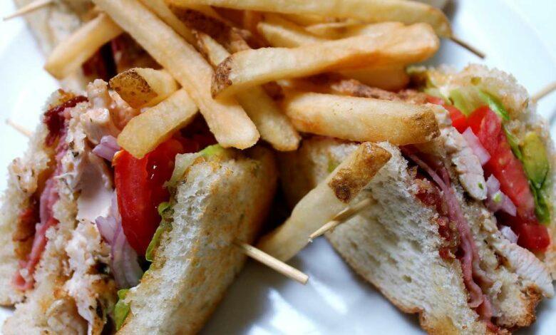 Receta para preparar en casa el mejor sándwich club de los hoteles 1
