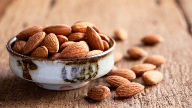 Receta saludable de Ferrero Rocher con 4 ingredientes