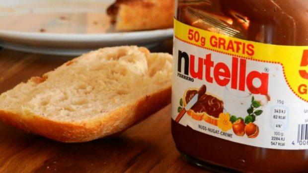 Receta de milhojas de hojaldre fácil de preparar con Nutella