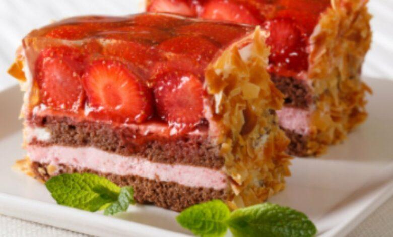 Receta de bizcocho de almendras y frutos rojos fácil de preparar 1