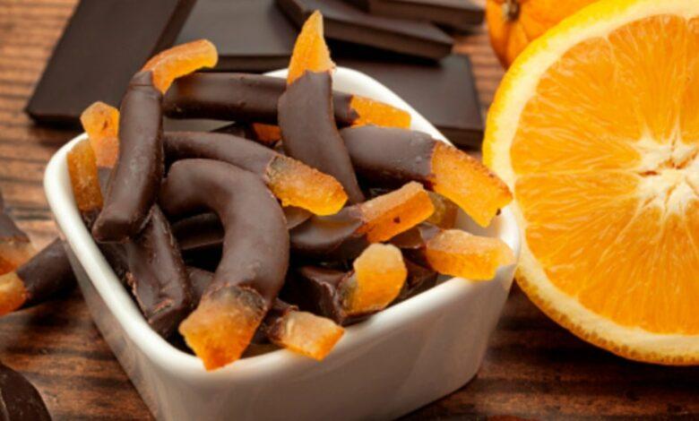 Tiras de naranja confitadas con chocolate 1