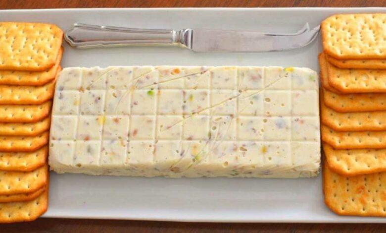 Receta de Turrón salado de queso y frutos secos 1