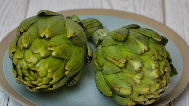 Receta de hummus de alcachofas y espinacas