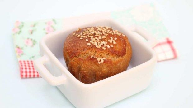 Pan bajo en carbohidratos con berenjena y harina de sésamo