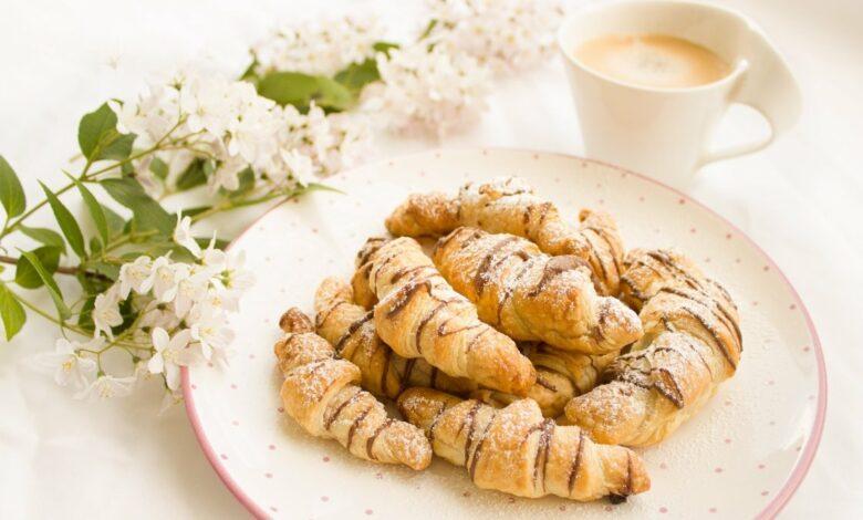 Receta de croissants de chocolate con dos ingredientes 1