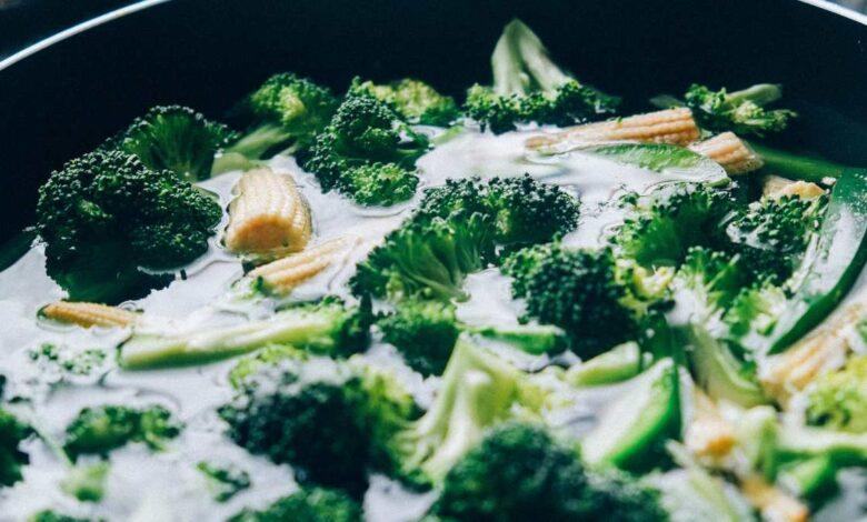 Receta de brócoli con hierbas y coco 1