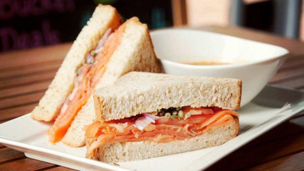 Sándwich de salmón fácil de hacer