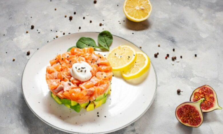 Receta de tartar de salmón y aguacate muy fácil de preparar 1