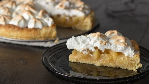 Receta de tarta de manzana con merengue