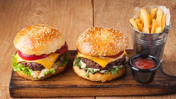 4 recetas de hamburguesas gourmet para darte un capricho en casa