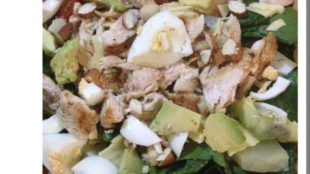 Canapés de ensalada de pollo