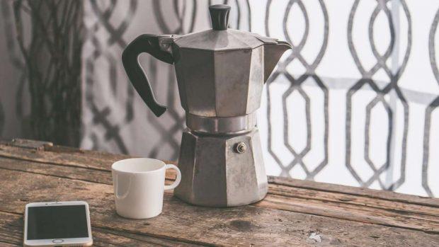 Toma nota de 4 recetas para preparar un café de cafetería en casa