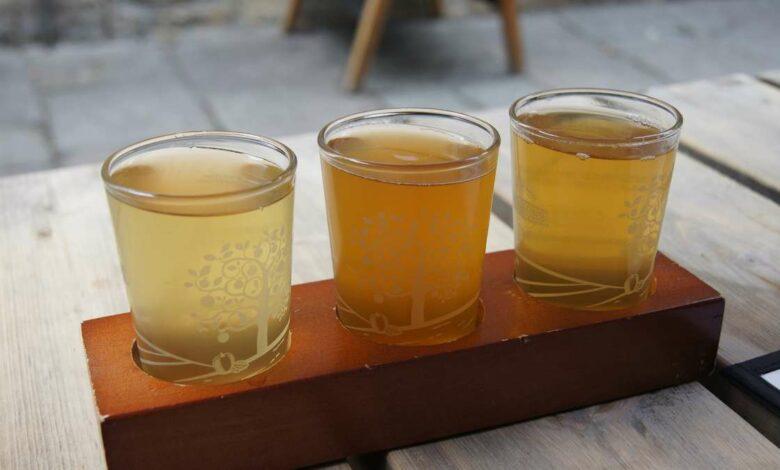 Bebida de sidra de jengibre y manzana, receta saludable 1