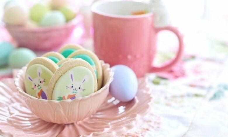 Galletas de chocolate blanco al microondas, receta para hacer con niños en Pascua 1