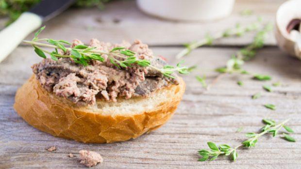 Paté de castañas y setas, receta para un aperitivo fácil y rico 2
