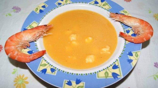 Crema de zanahoria y gambas
