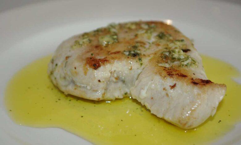 Bonito al ajillo, receta de pescado fácil y deliciosa 1