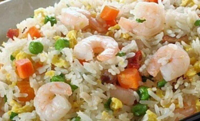 Ensalada de arroz y gambas, receta fácil y saludable 1