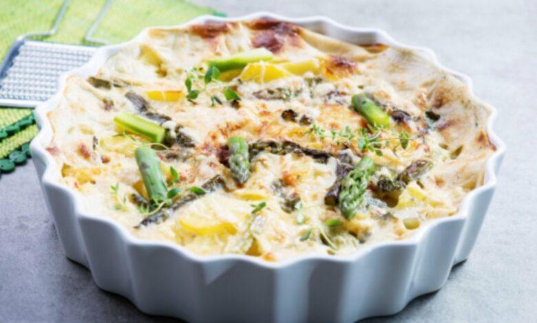 Espárragos gratinados con bechamel y queso, una receta saludable fácil de preparar 1