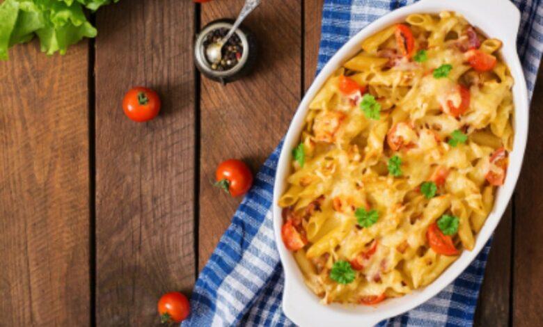 Macarrones con tomate gratinados al microondas, receta rápida y deliciosa 1