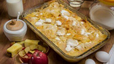 Pastel de manzanas y ciruelas pasas dietético, receta sin horno 5
