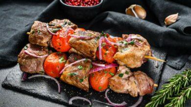 Brochetas de cordero a la griega, receta de carne fácil de preparar 5