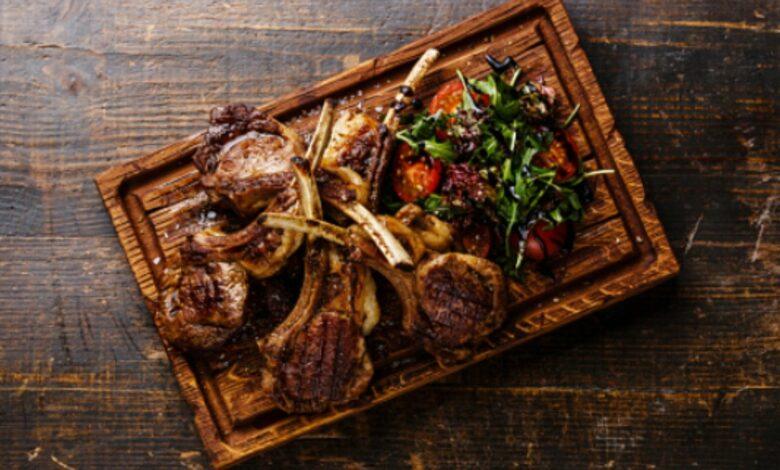 Receta de cabrito asado con hortalizas, un plato de restaurante 1