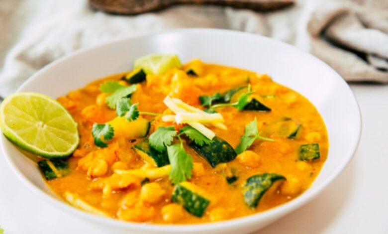 Curry de okra, receta vegetariana paso a paso 1