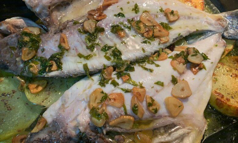 Dorada al horno con hinojo y cremoso de patata, receta de pescado paso a paso 1