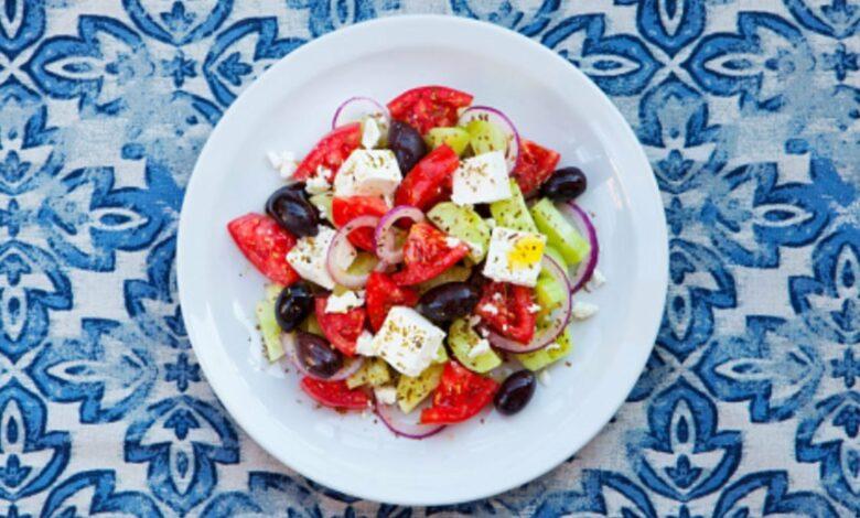 Ensalada griega, receta tradicional fácil de preparar 1