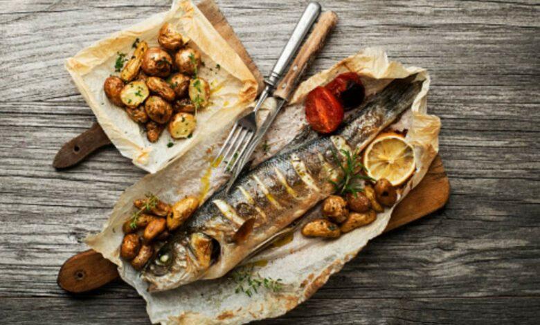 Lubina al papillote, receta de pescado fácil de preparar 1