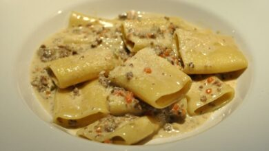 Paccheri rellenos de setas, receta de pasta típica de Italia 4