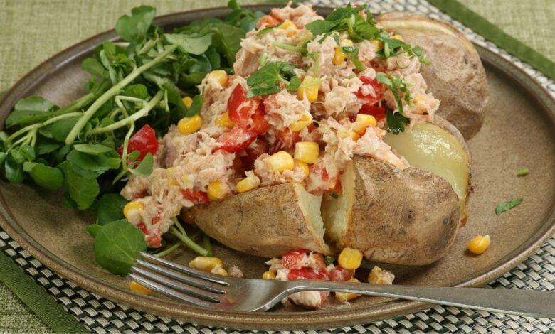 Receta de patatas rellenas de atún fácil de preparar 1