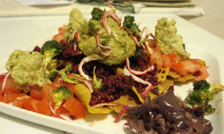 Prepara un guacamole con el tallo del brócoli 1