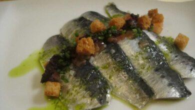 Receta de sardinas marinadas con queso y confitura de tomate 3