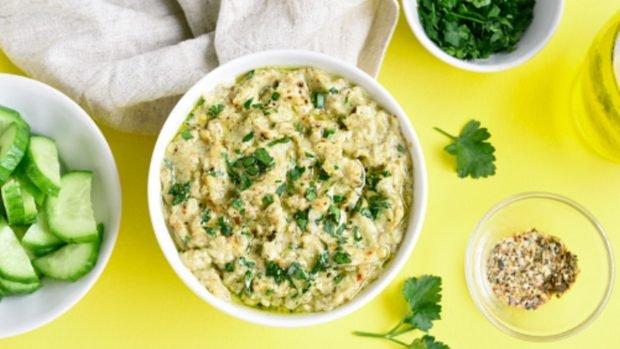 Guacamole y 4 recetas más para mojar en grande