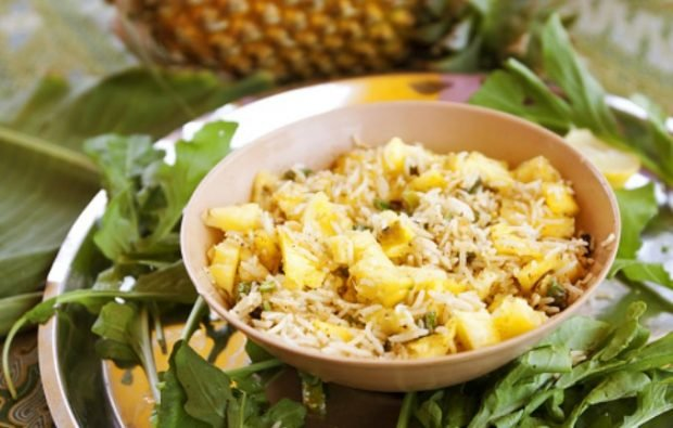 5 recetas saladas para disfrutar de la piña, una fruta para adelgazar comiendo