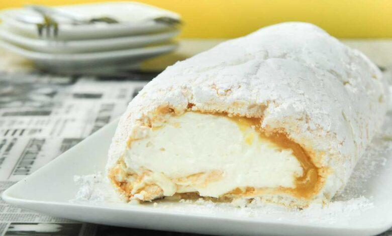 Rollo de merengue con frambuesas y pistachos, receta casera 1