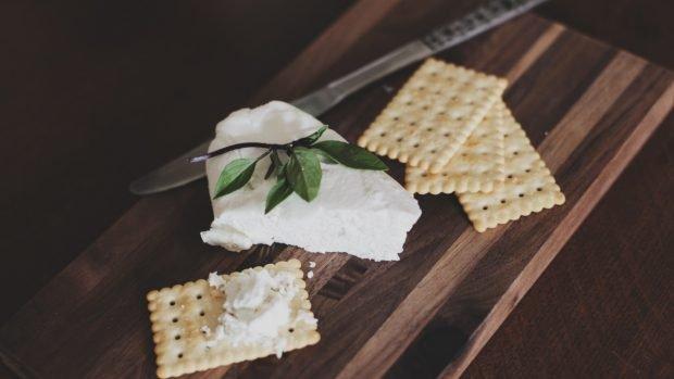 Pastel de queso frito, una receta para un aperitivo digno de los dioses